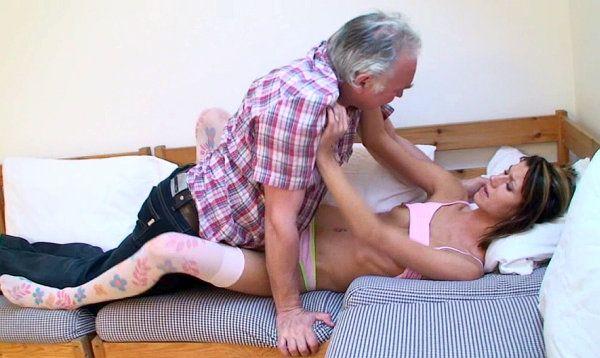 Порно видео пьяная внучка