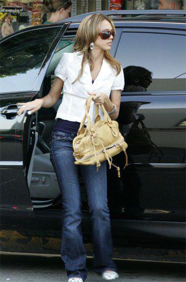 Vogue сосчитал все модные сумки.